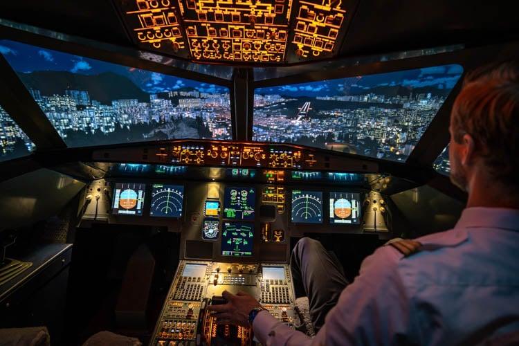 Flugsimulator Frankfurt Kai Tak
